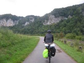 Circulando por el cañón que forma el Danubio