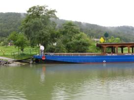 La barca con la que cruzamos el Danubio