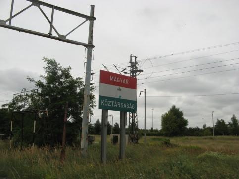 Restos de la frontera entre Eslovaquia y Hungría