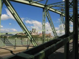 La basílica de Esztergom desde el puente