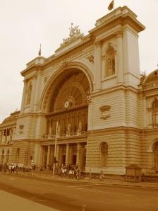 La estación de Keleti, desde donde volveremos a Zurich, y allí a Girona.