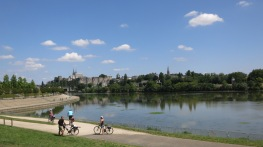 Vista del castillo de Angers al otro lado del Maine