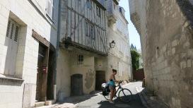 Mayte, entre casas medievales