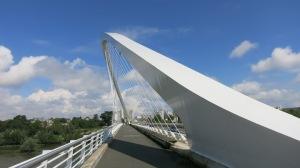 Puente de Calatrava en la entrada a Orleans