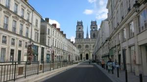Catedral de Orleans desde la Avenida.