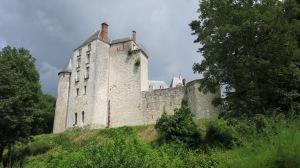 Un castillo en un publecito del camino