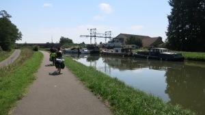Pedaleando por el canal