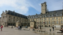 Una de las plazas de Dijon