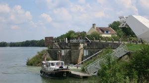 Entrada al canal entre el Ródano y el Rhin