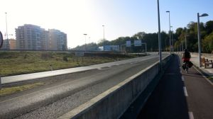 Entrando en San Sebastián junto al Urumea