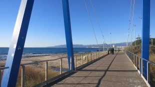 Circulando por los carriles bici de la costa