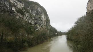Cañón formado por el río