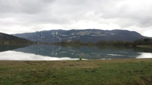 Pequeño lago del camino