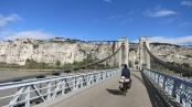Cruzando el puente a la margen izquierda