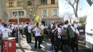 Ambiente de fiesta en Arles