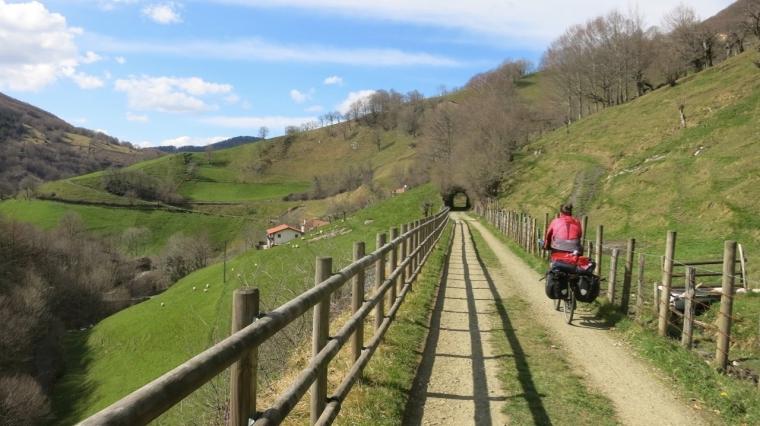 Cruzando el valle de Leitzaran