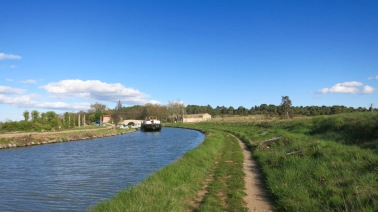 Barco en el Canal II