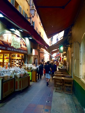 Callejuela de la parte vieja de Niza I