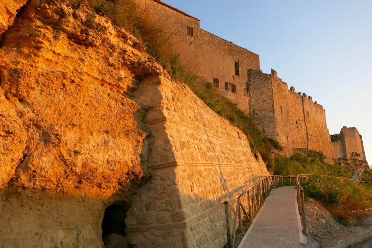 Muralla medieval de Tarquinia