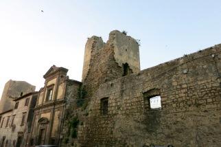 Ruinas en el centro de Tarquina