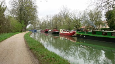 Barcazas - vivienda a la salida de Toulouse