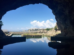 Desde el interior de la gruta con Sperlonga al fondo