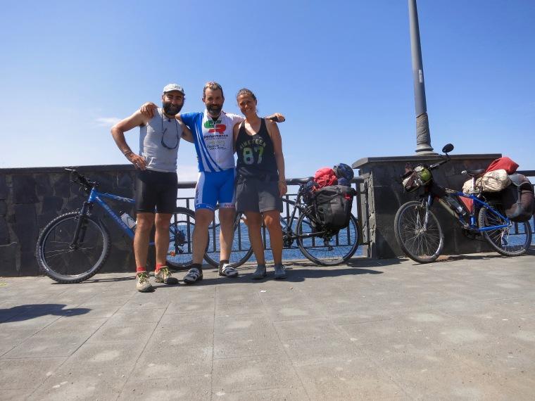 Ángel, Giacomo y Mayte camino a Pompeya