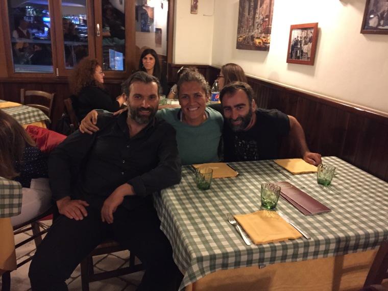 Cenando en una pizzeria con Giacomo