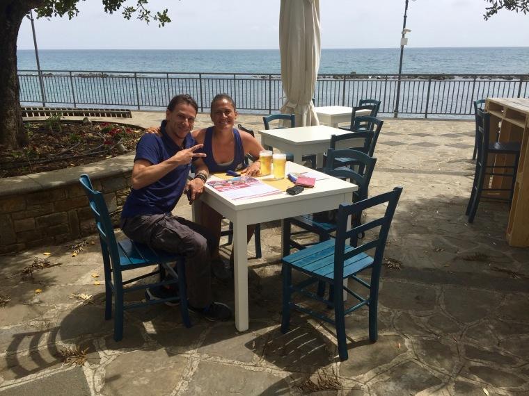 Con Gianni en el Café de Pioppo