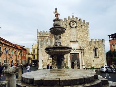 Cuatro Fuentes y el Duomo