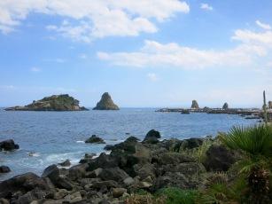 Islas de los Cíclopes, en Aci Trezza